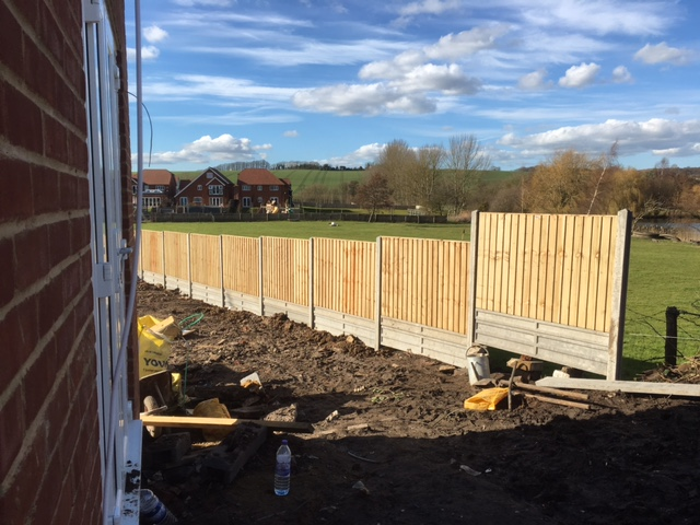 garden-fencing-construction-maidstone