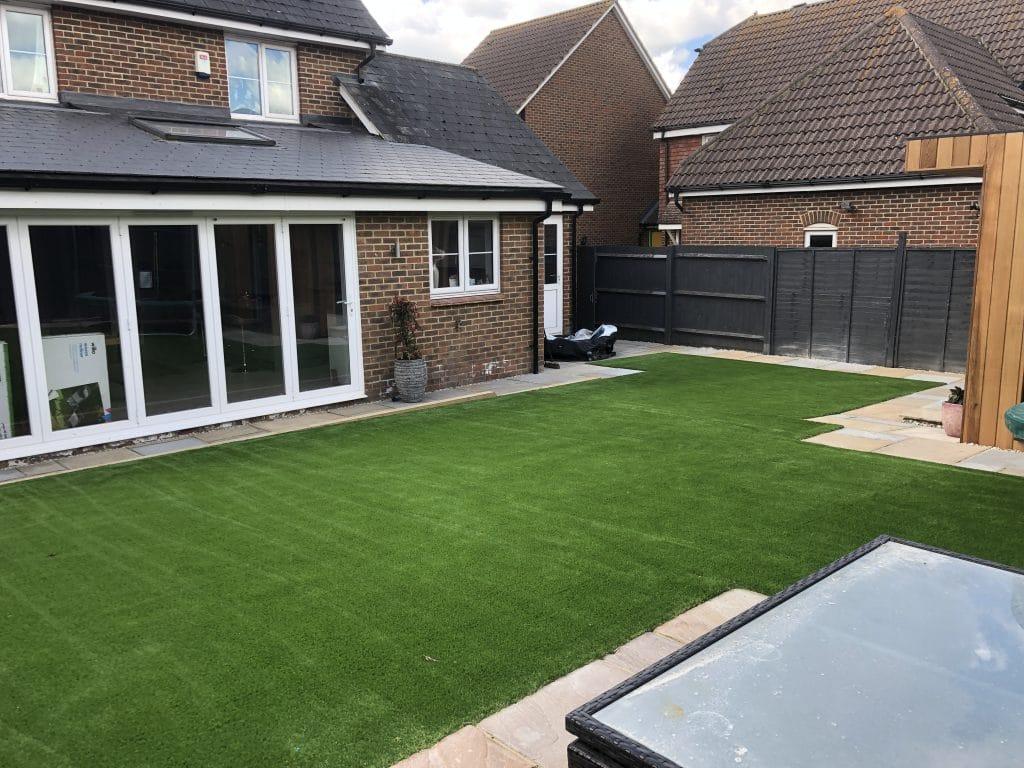 artificial-grass-installation-loose